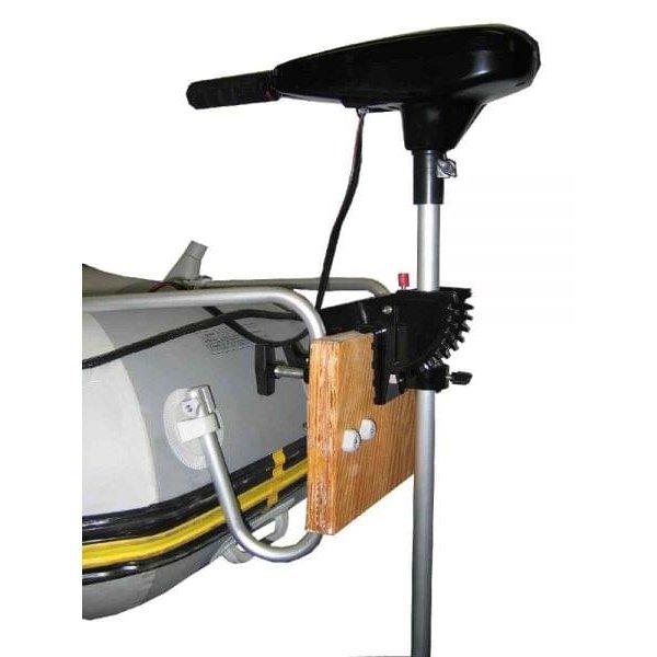установка лодочного мотора на лодку пвх фото